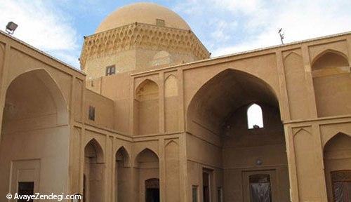معماری اصیل خشت خام یزد در «مدرسه ضیائیه»