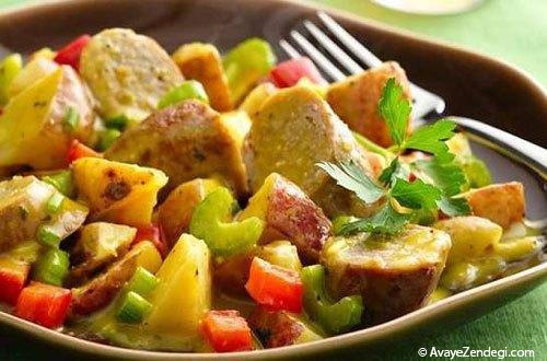 طرز تهیه سالاد سوسیس و سیب زمینی